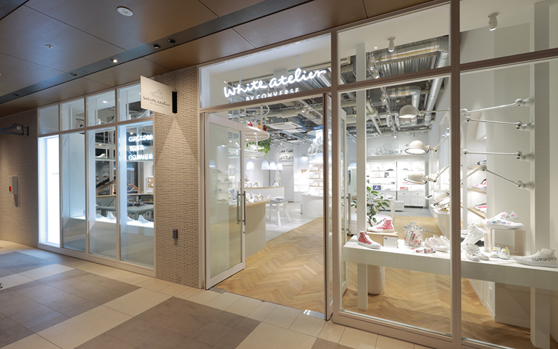 White atelier BY CONVERSE 福岡店